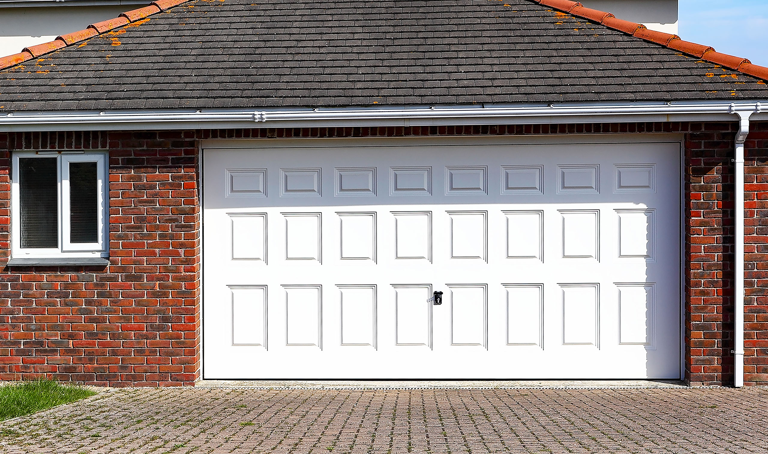 Look Garage Doors Garage door specialists in Mansfield Nottinghamshire & High Quality Garage Doors | Look Garage Doors Mansfield Nottingham